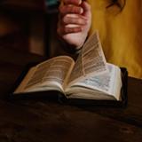 Para ler a Bíblia bem acompanhado